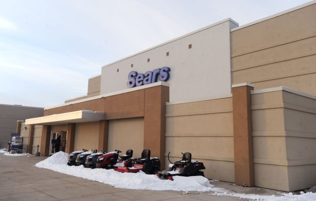 Top 10: Sears closes