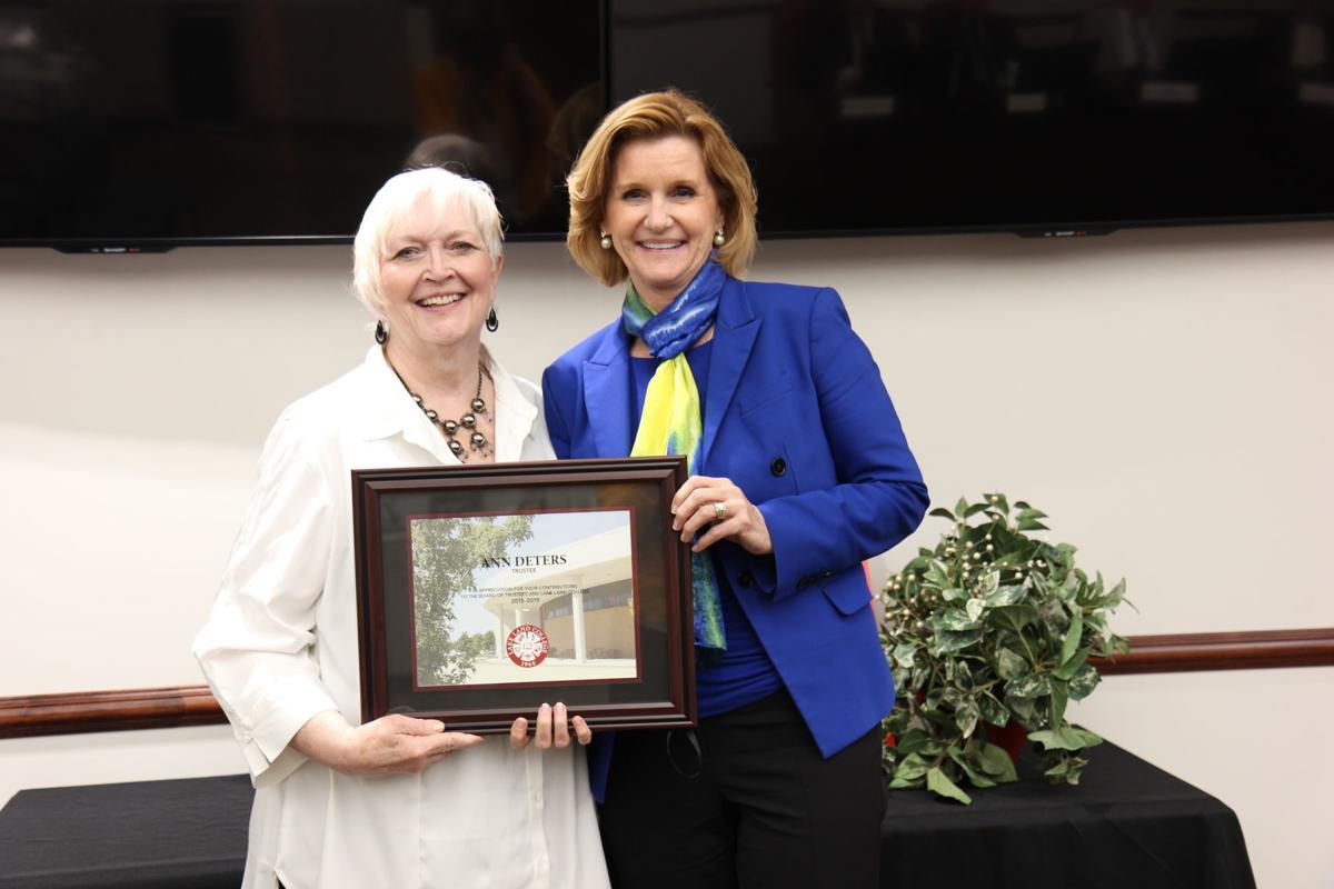 Lake Land board honors Deters