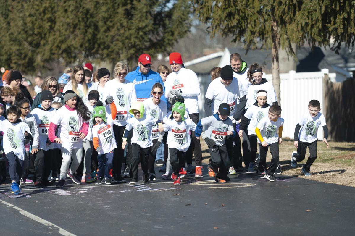 Mattoon school's 1st Teacher Chase foot race draws crowd 1 (03/16/19)