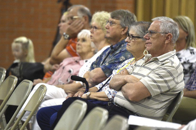 Miami residents turnout for asbestos cleanup meeting