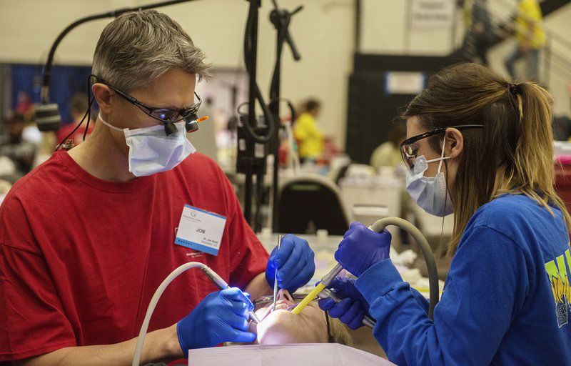 Free dental clinic in Pittsburg draws hundreds of patients on first day