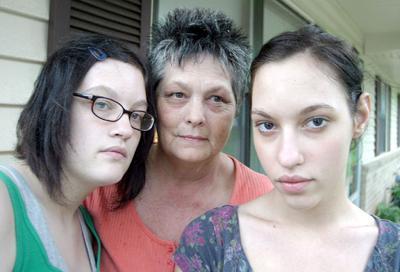 Sisters Melinda (left) and Sabrina Duncan
