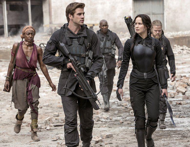 'Hunger Games' stars like siblings