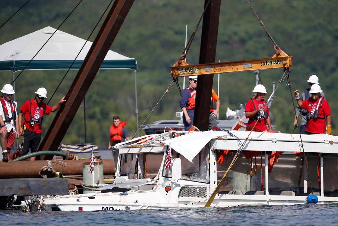 072418 Duck boat salvage 5_1.jpg