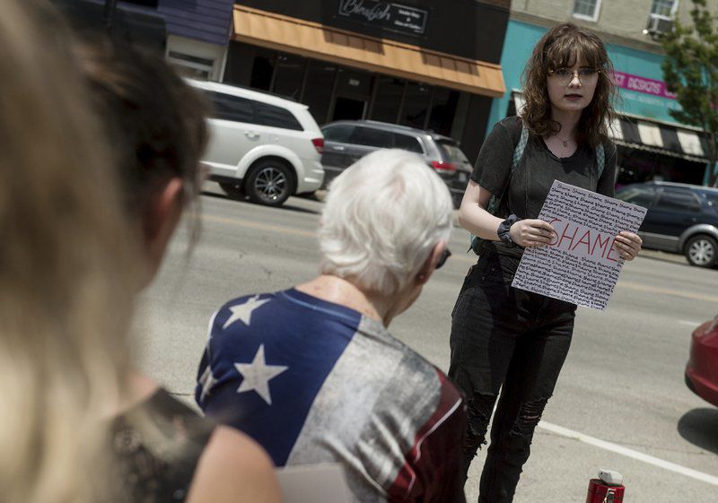 Pittsburg protesters call for closure of border detention centers