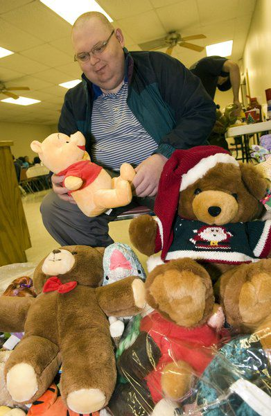 Northeast Oklahoma man keeps toy drive going for 40 years