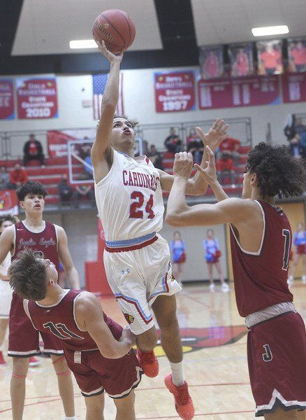 Webb City holds off Joplin to win rivalry matchup