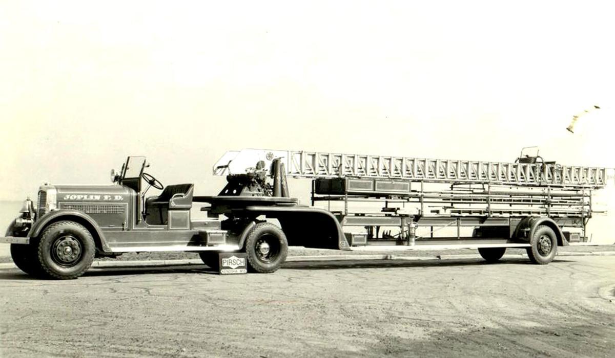 091821 Joplin Fire Dept Ladder Truck 1939 2