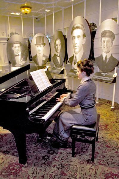titanic-musicians-.jpg