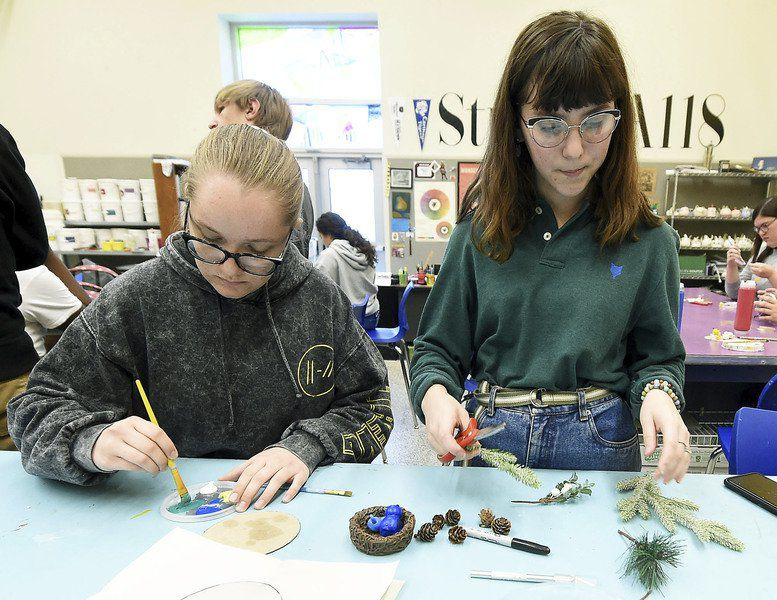 Carthage students create ornaments for National Christmas Tree