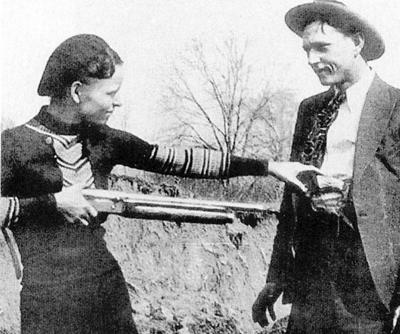 Bonnie and Clyde with gun 2