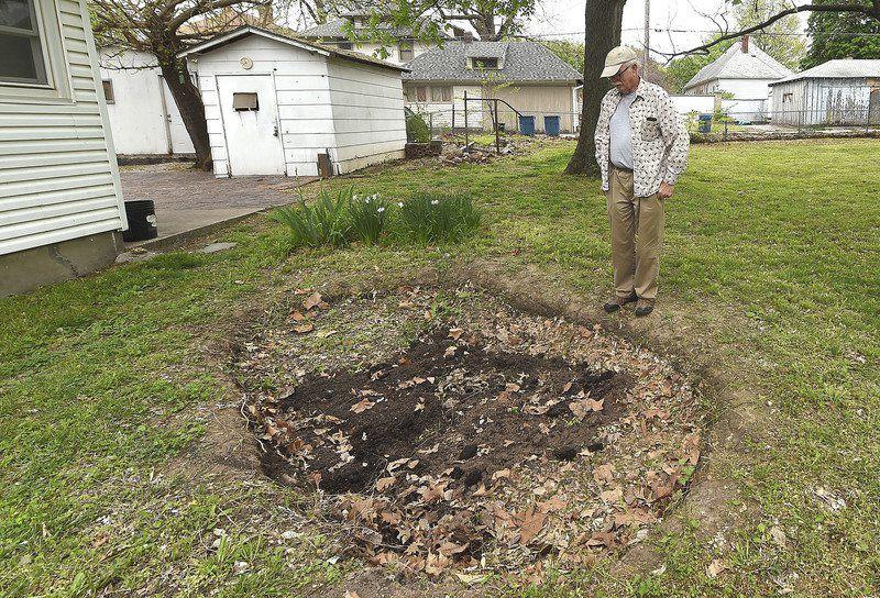 Ausverkauf schön in der Farbe geeignet für Männer/Frauen Family claims house in Joplin turned into homeless camp ...
