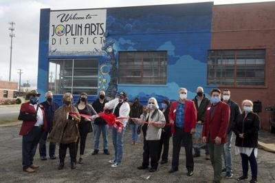 Joplin Arts District cuts ribbon for new downtown mural