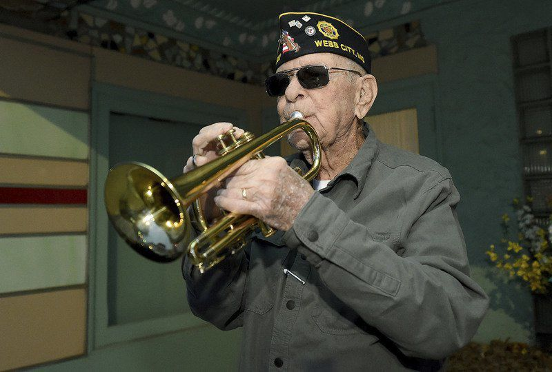 WWII veteran plays music for love of country, late wife