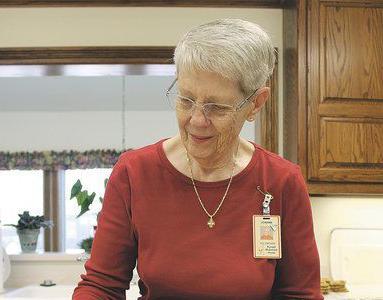 Joplin woman has volunteered Christmas Eve, Christmas since 2006
