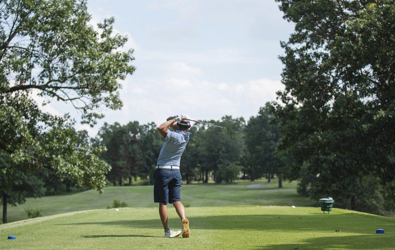 Jordan Burks rallies to win area golf title