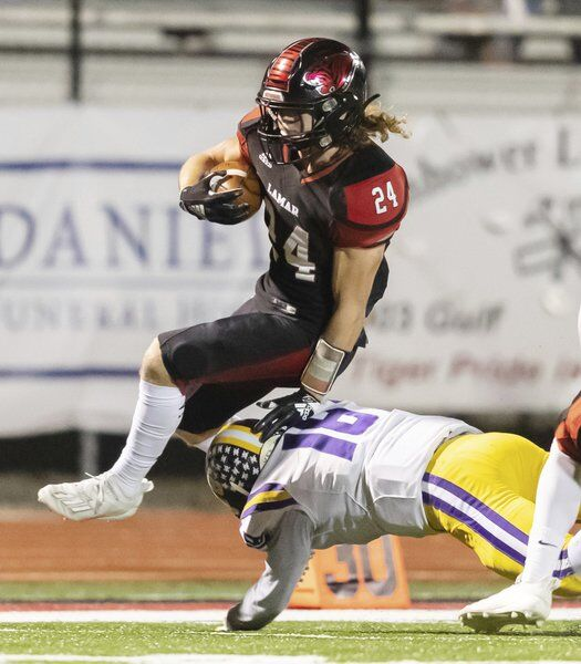 Lamar rolls to 13th consecutive district title