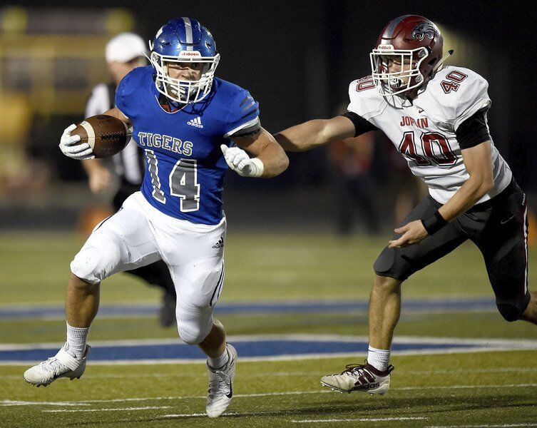 Carthage handles Joplin, takes outright lead in COC