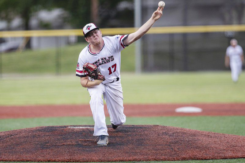 Mustangs finish series sweep against Outlaws