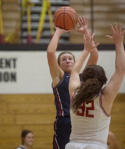 Bulldogs, Indians open CJ Classic with lopsided wins
