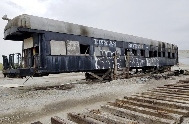 Historic 1899 presidential railway car on Route 66 in Galena destroyed in 'suspicious' fire