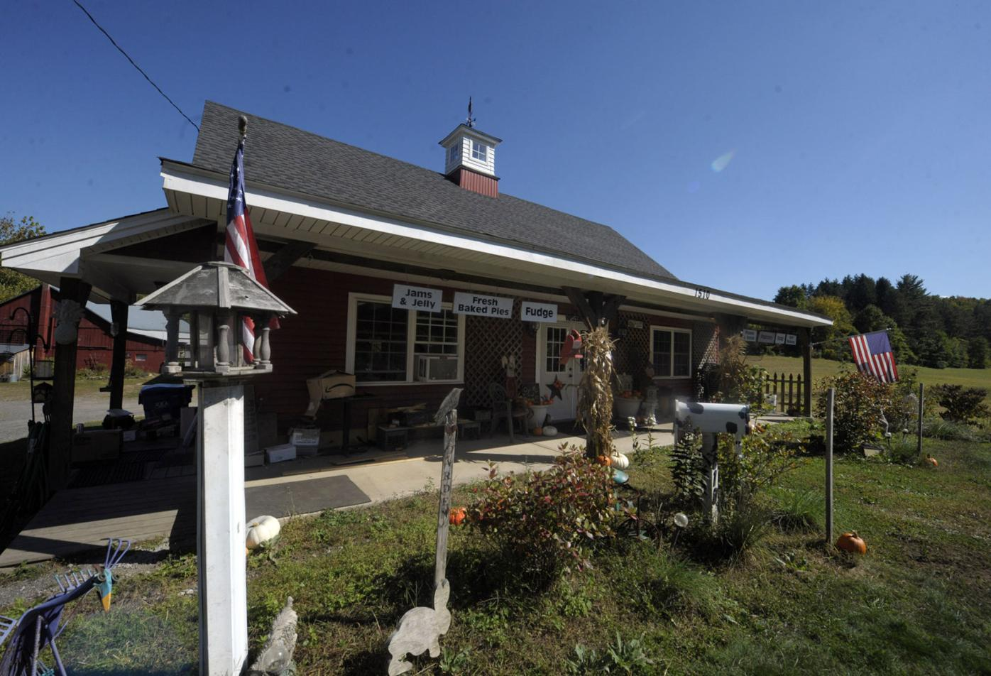 Historic Cupola Hollow Farm Is A Labor Of Love And Community Suffield Journalinquirer Com