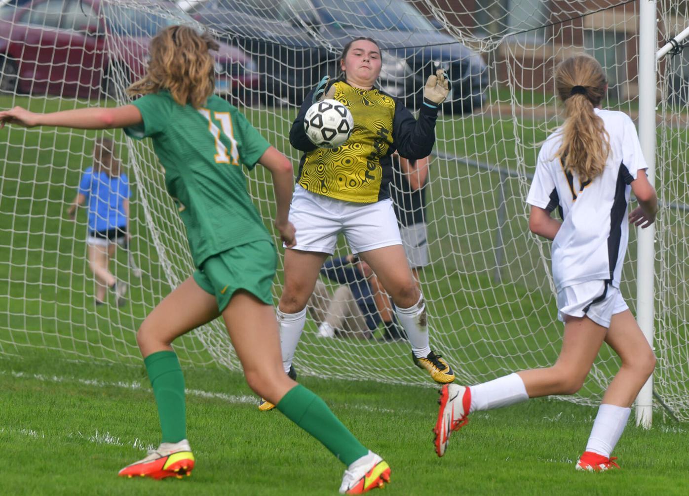 091621 CO EW Girls Soccer 00.jpg