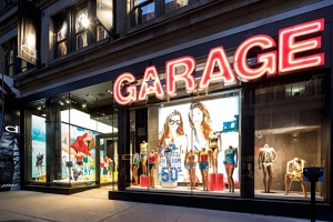 Buckland Hills Mall Adds States First Garage Clothing Store