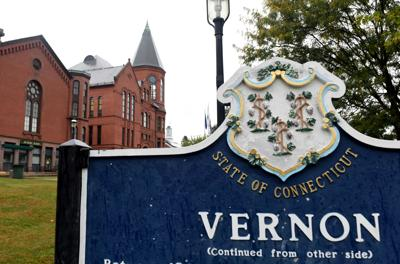 File: Town Hall of Vernon Sign