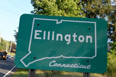 File: Ellington Town Sign