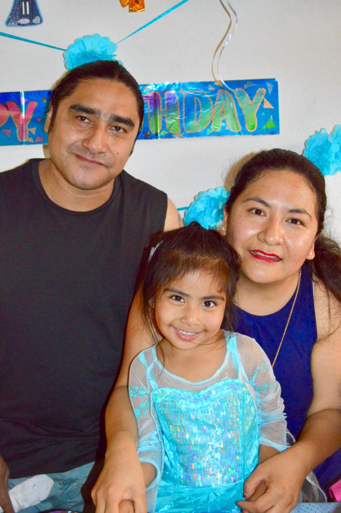 Constantino Mijangos Figueroa and family