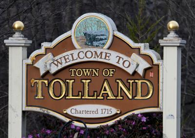 File Tolland sign