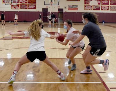 012021 WL Girls Basketball Practice 01.jpg