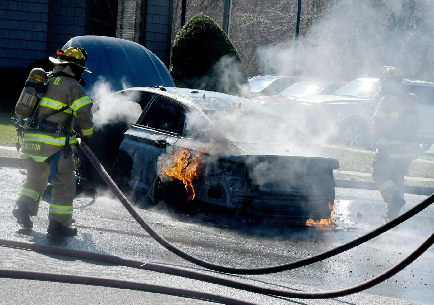 033021 SW Car Fire 02.jpg