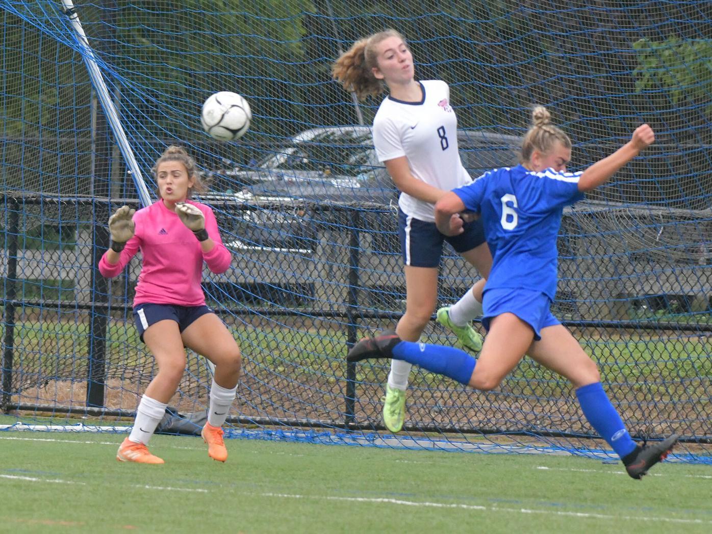 091721 SU WI Girl Soccer 01.jpg
