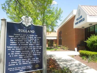 File: Tolland town sign