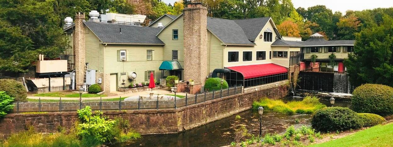 Outdoor dining a boon for Mill on the River