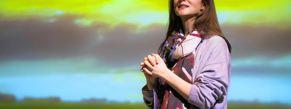 STAGE REVIEW: Laura Linney riveting in the angst-ridden 'Lucy Barton'