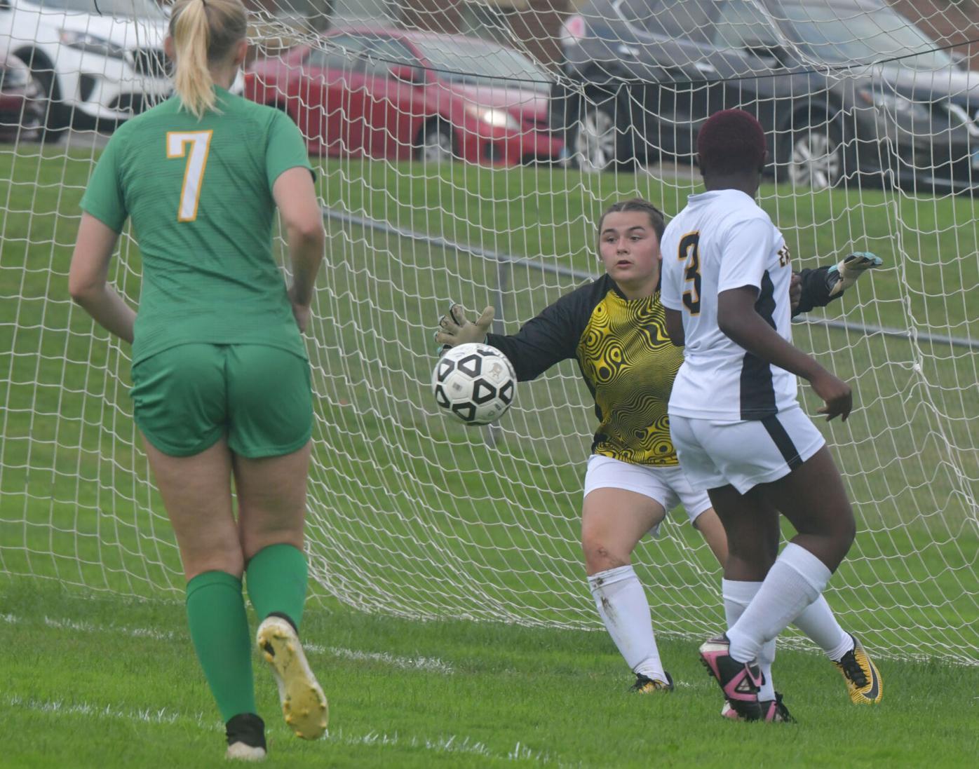 091621 CO EW Girls Soccer 02.jpg