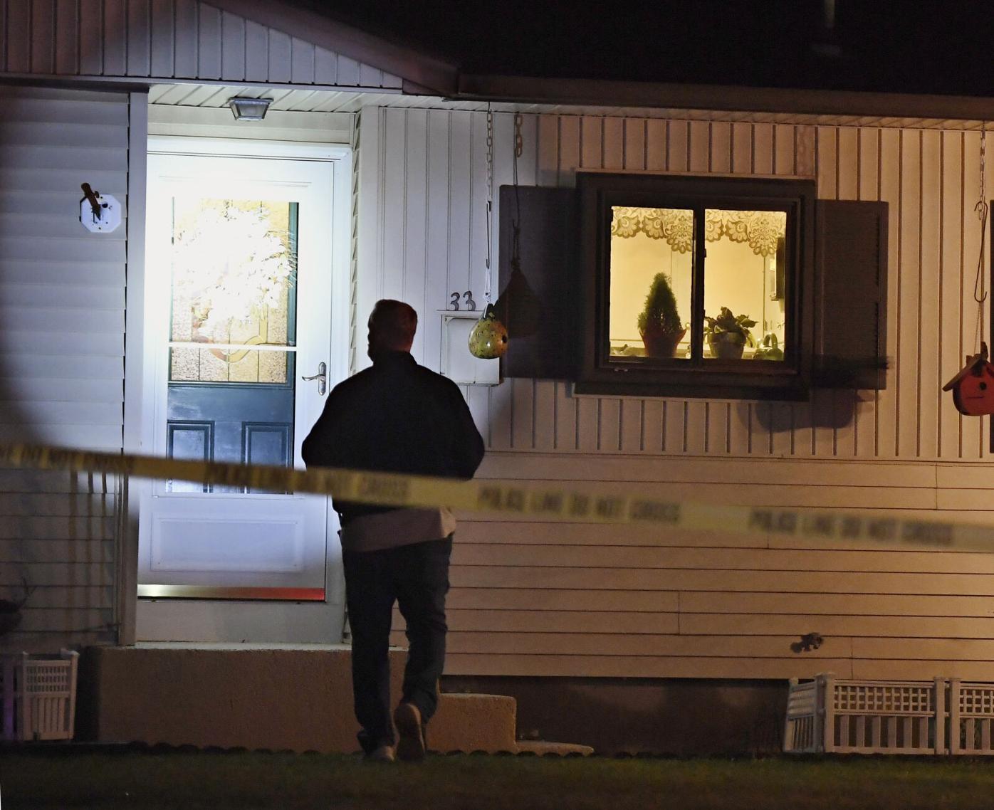 33 Dale St Windsor Locks Christmas night Police Investigation 001  .jpg