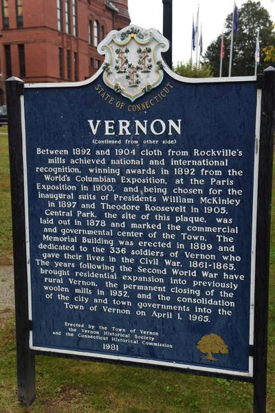 File: Town of Vernon Sign