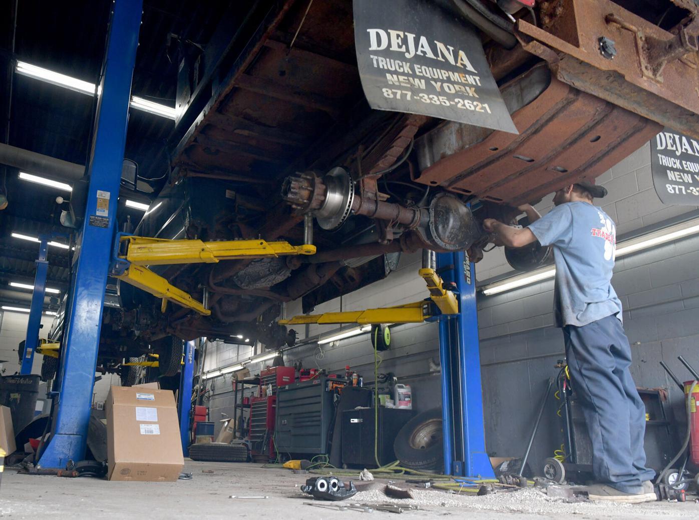 080521 VE Car Repairs 08.jpg