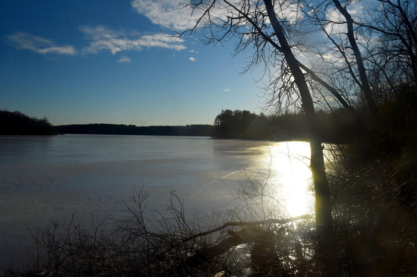 030421 TO Frozen Shenipsit Lake 03.jpg