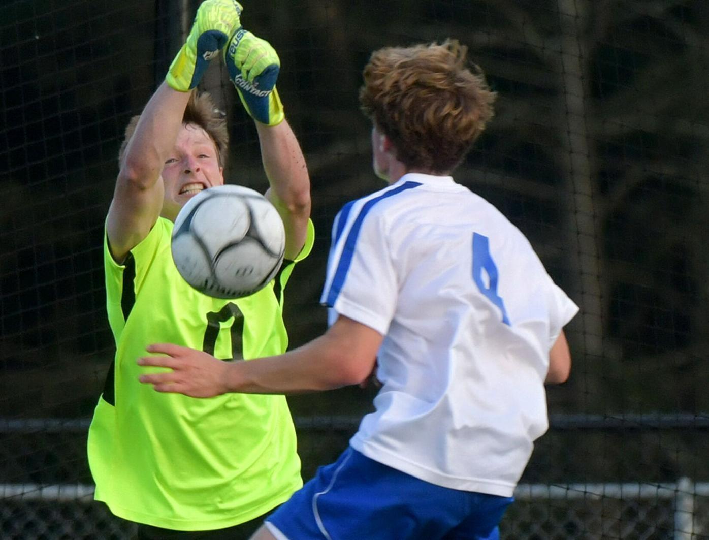 092121 SO SU Boys Soccer 01.jpg