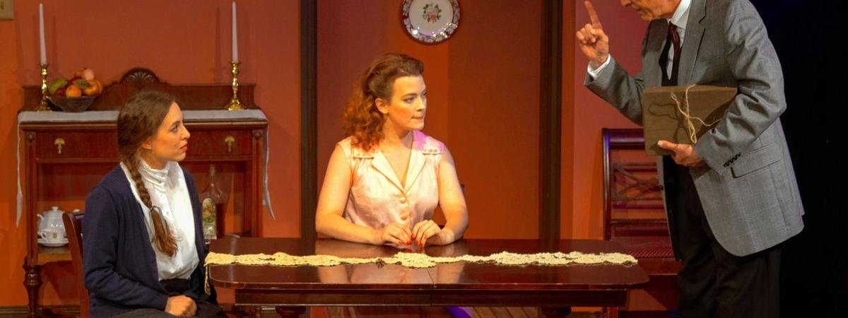 STAGE REVIEW Playhouse's 'Shayna Maidel' brings beauty to a horrific tale