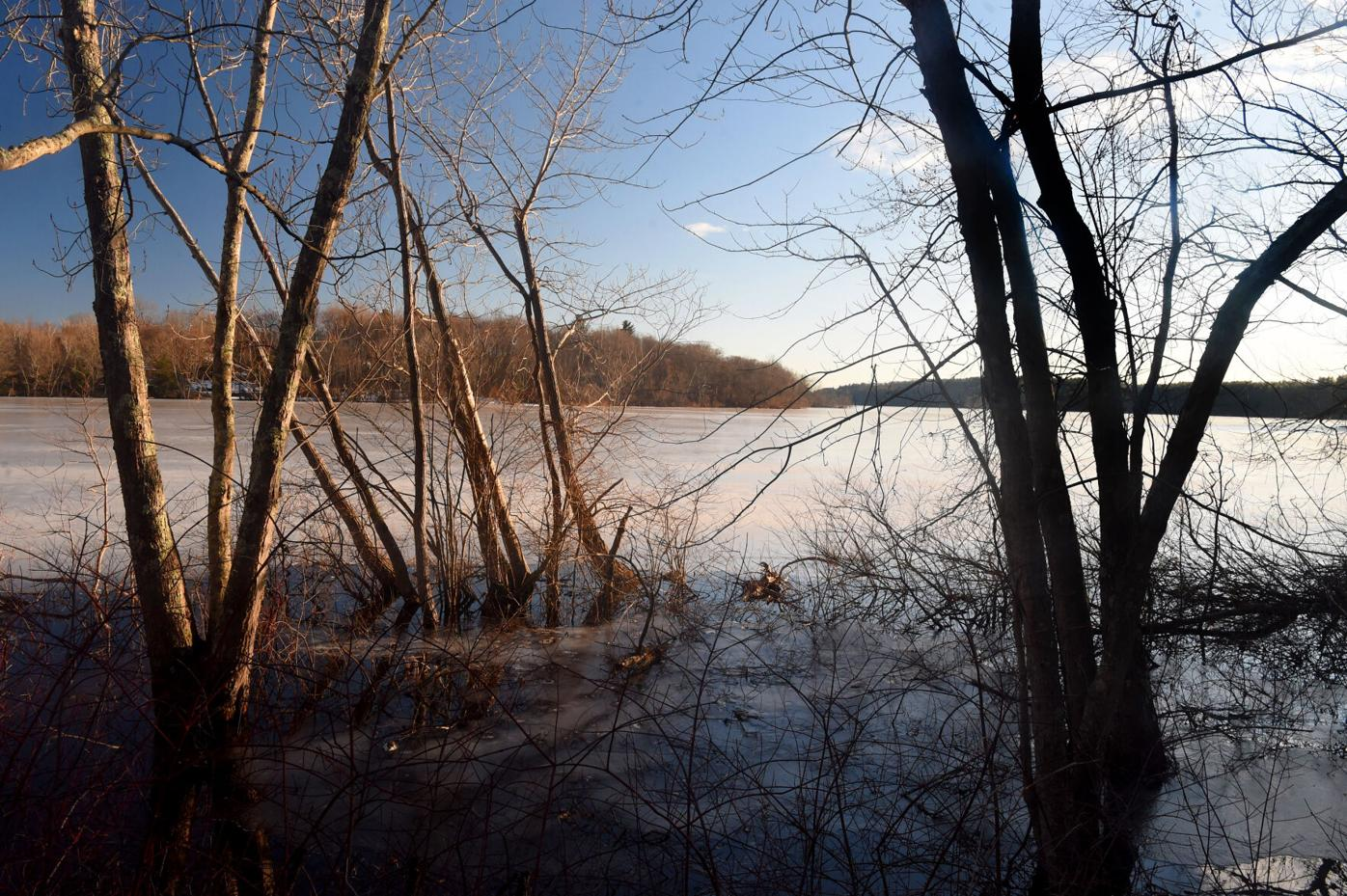 030421 TO Frozen Shenipsit Lake 04.jpg