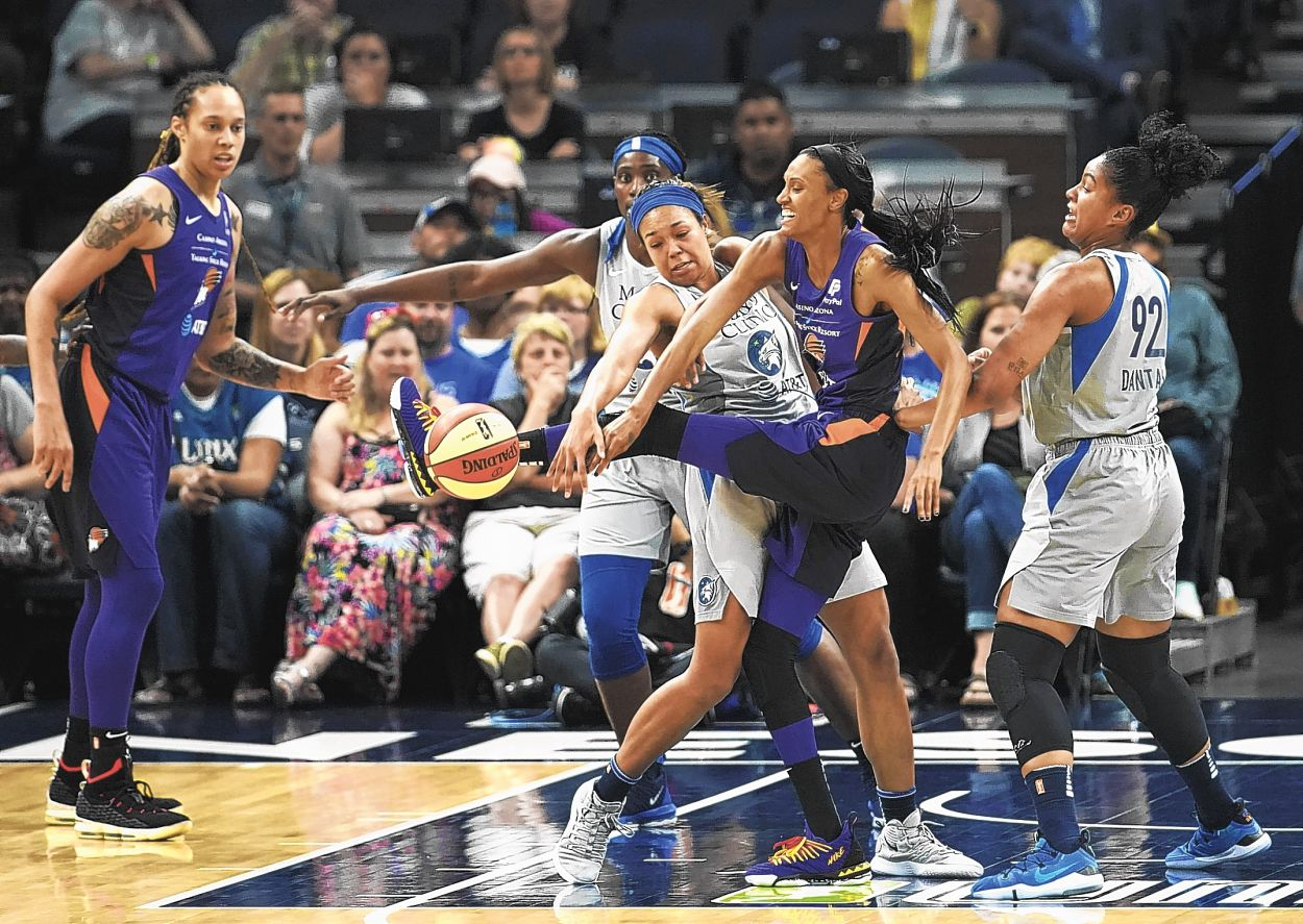 Collier learning the ropes in WNBA