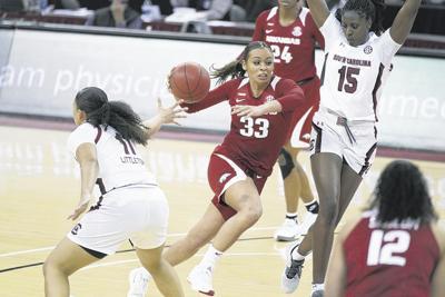 Arkansas to host UConn women