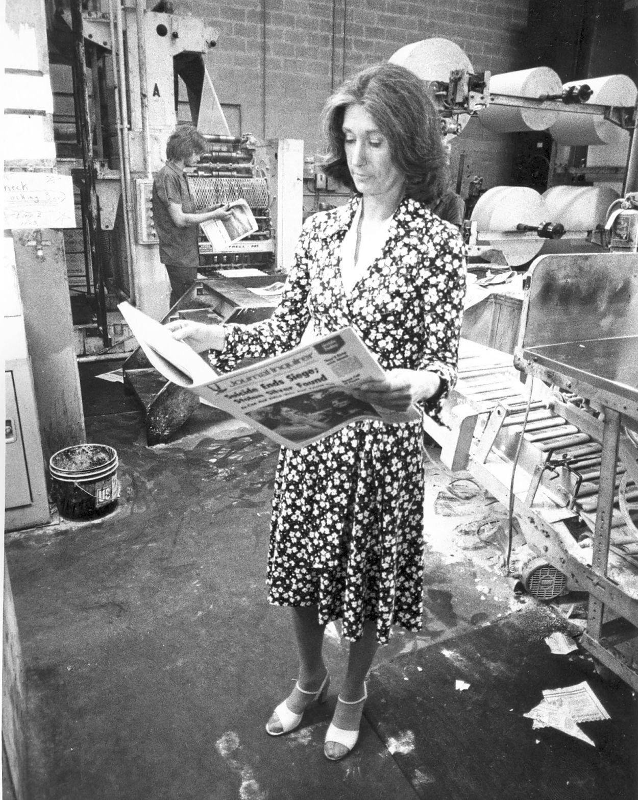Elizabeth Ellis in the pressroom