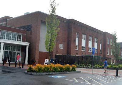 File: Glastonbury Town Hall